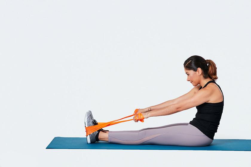 Có thể sử dụng dây đàn hồi để giãn cơ sau mỗi buổi tập thể thao