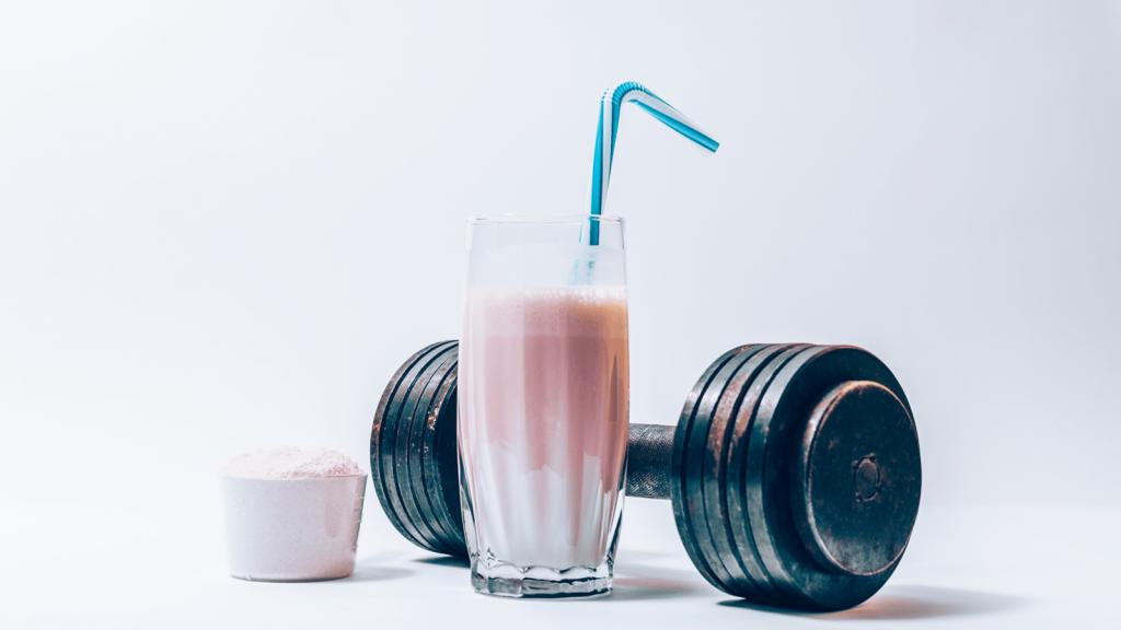 Uống sữa trước khi tập gym có tốt cho sức khỏe hay không?