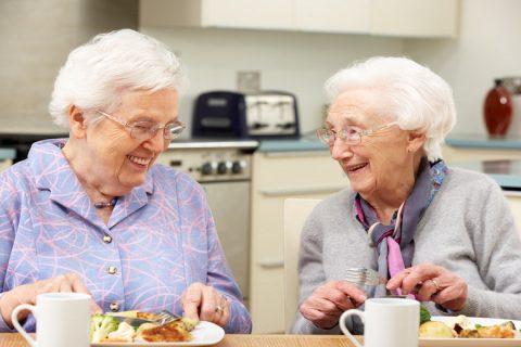 Các loại đai đeo chống gù tốt dành cho người cao tuổi