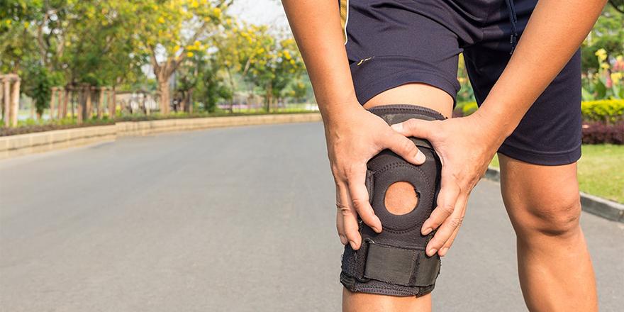 có nên sử dụng đồ bó gối khi chạy bộ