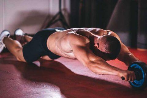 hướng dẫn sử dụng con lăn tập cơ bụng