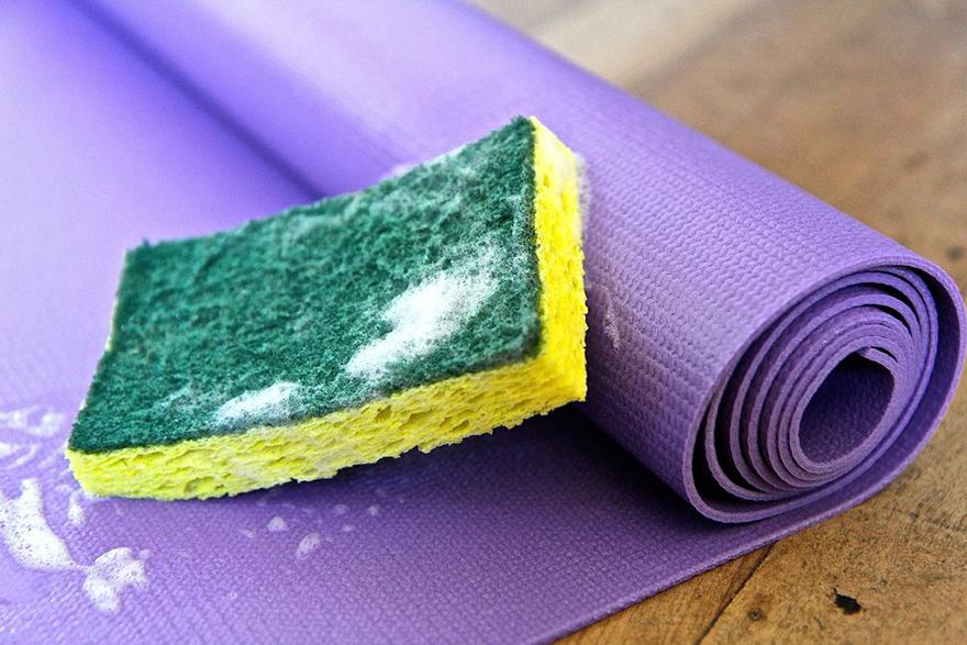 kinh nghiệm vệ sinh thảm yoga