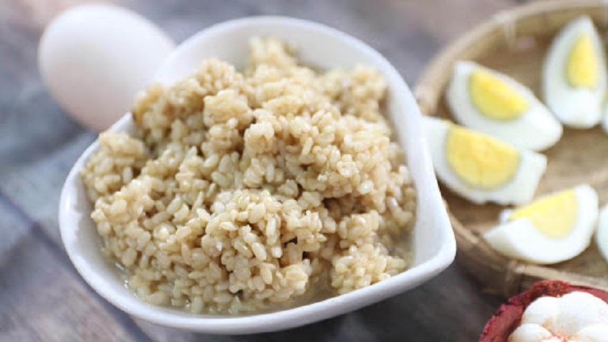 1 chén cơm bao nhiêu gram calo