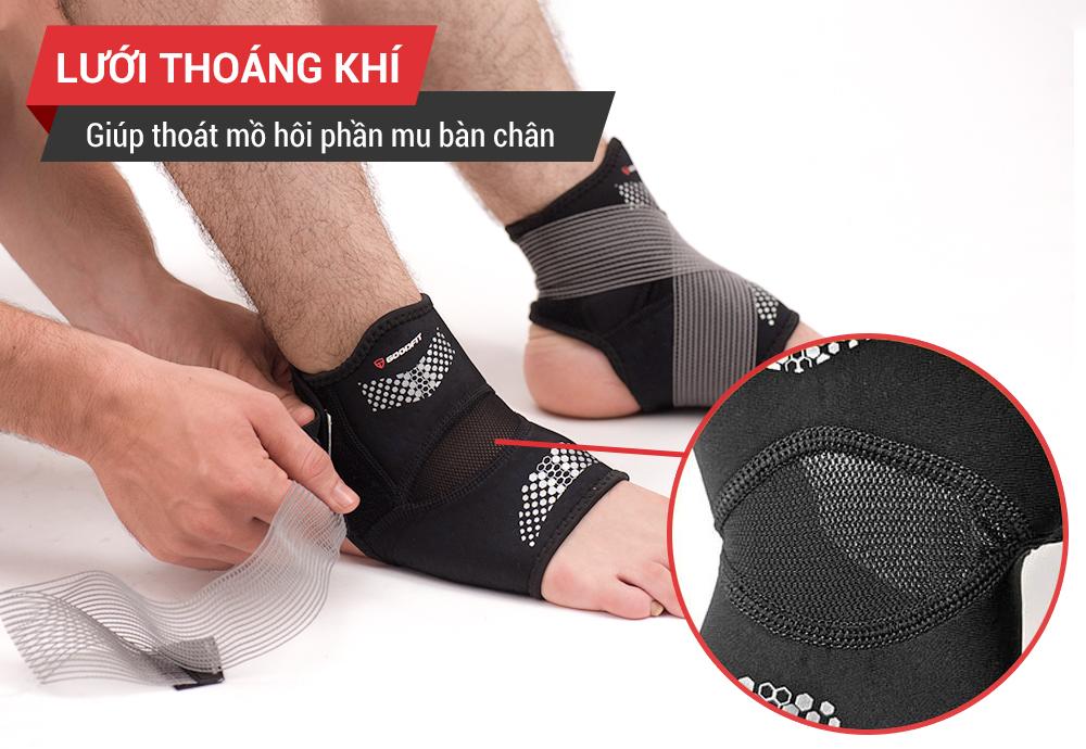Tại sao phải dùng băng quấn cổ chân khi đá bóng?