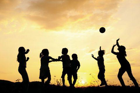 Áo chống gù lưng trẻ em: Bảo vệ trẻ khỏi gù vĩnh viễn