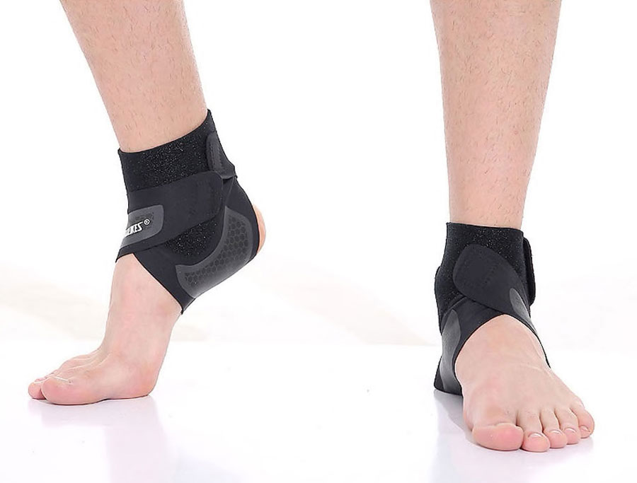 Băng bảo vệ cổ chân- Giải pháp tránh chấn thương bóng đá