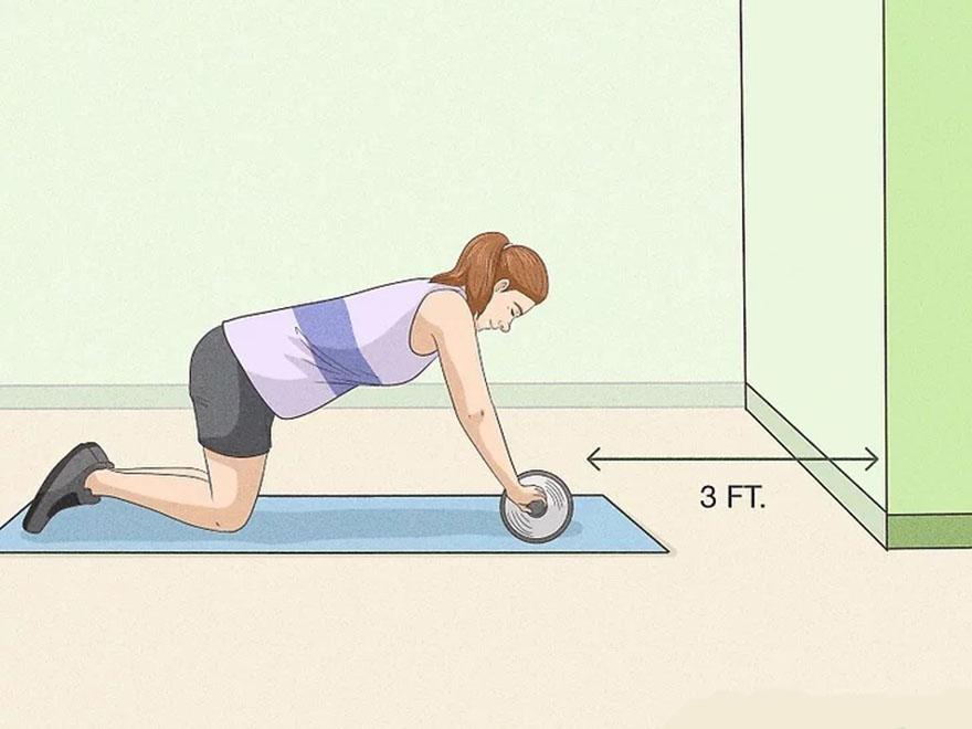 cách sử dụng con lăn tập bụng 4 bánh cho người mới