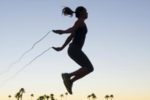 Tác dụng của nhảy dây đối với nữ giới: cơ thể đẹp bất ngờ