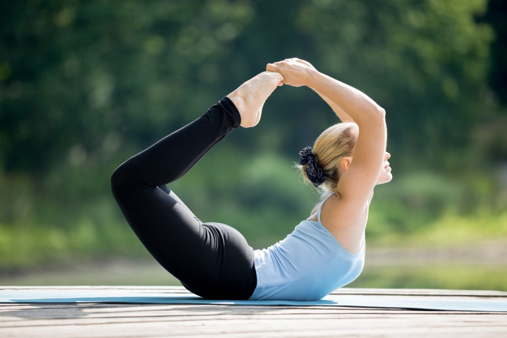 Trị gù lưng tại nhà với 5 tư thế yoga siêu dễ