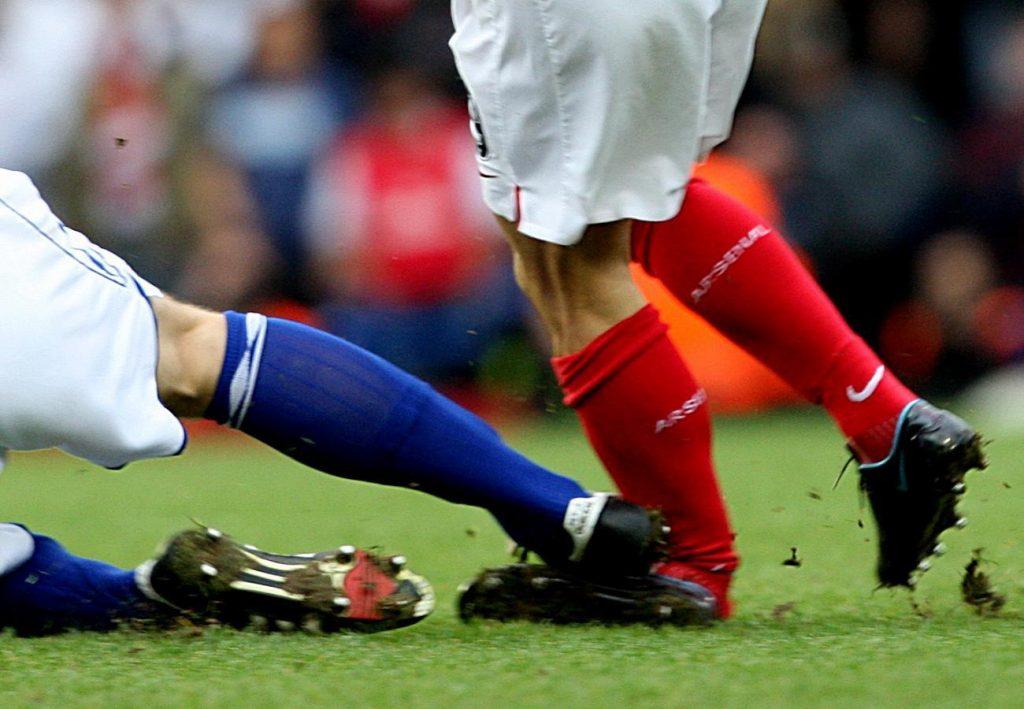 Những chấn thương trong bóng đá phổ biến và nguy hiểm