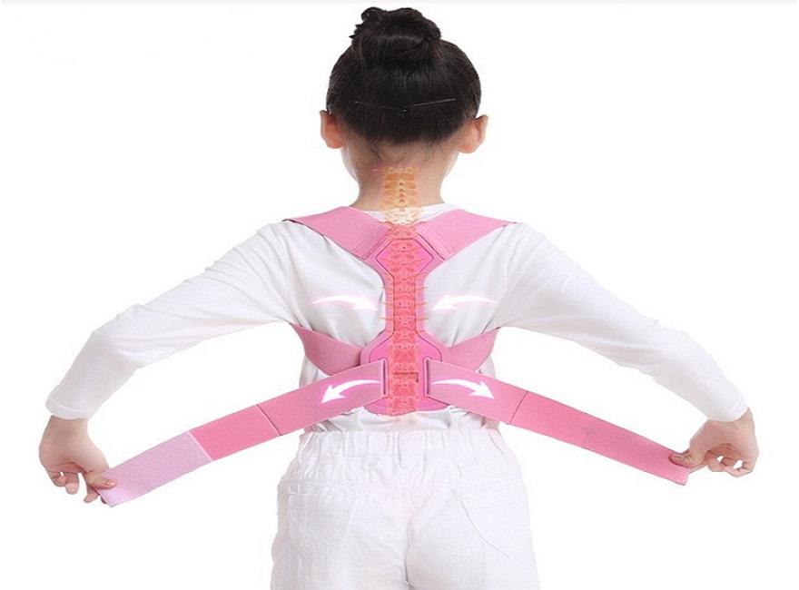 Đai chống gù lưng cho be và các đặc điểm cần có