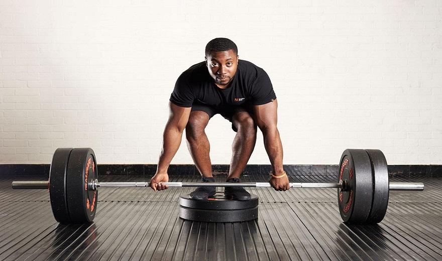 Hip Thrusts và Deadlifts: Bài tập nào tốt hơn cho cơ mông?