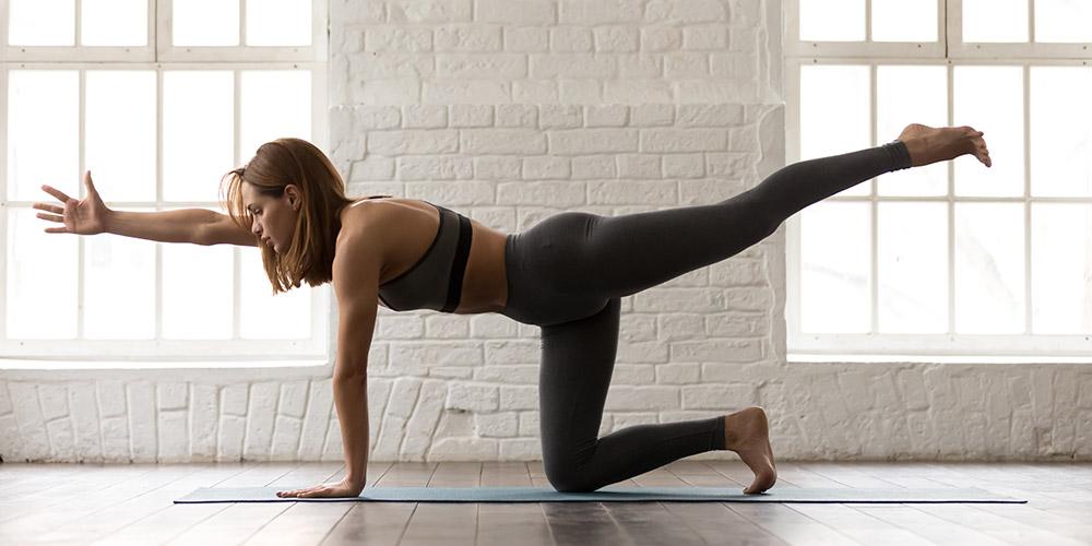 Cách khắc phục nhanh của Elise Miller cho lưng khỏe mạnh