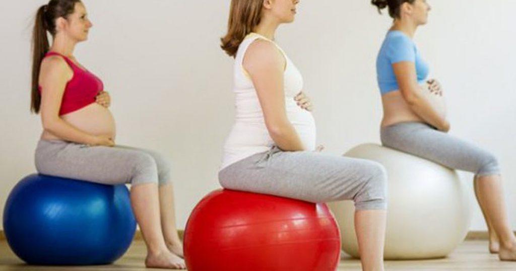 Tiếp tục di chuyển: 5 tư thế yoga cho thai kỳ khỏe mạnh