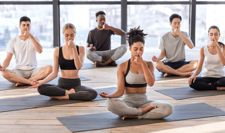 Kích thích thần kinh phế vị của bạn với Yoga và thở