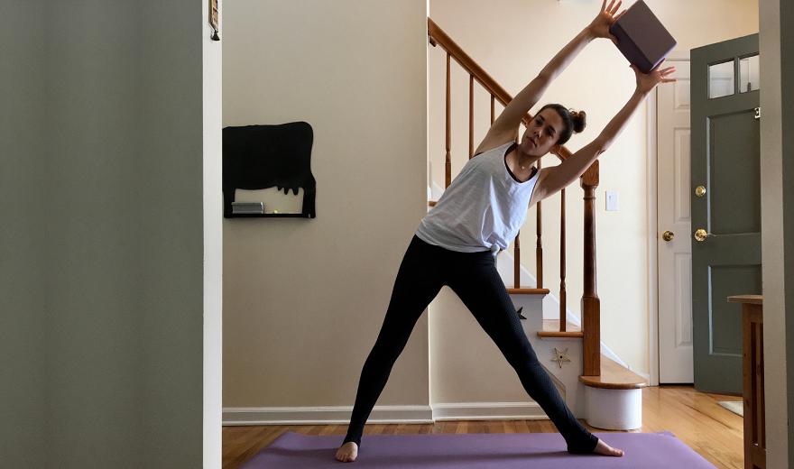4 tư thế yoga có trọng lượng giúp tăng khả năng chịu tải