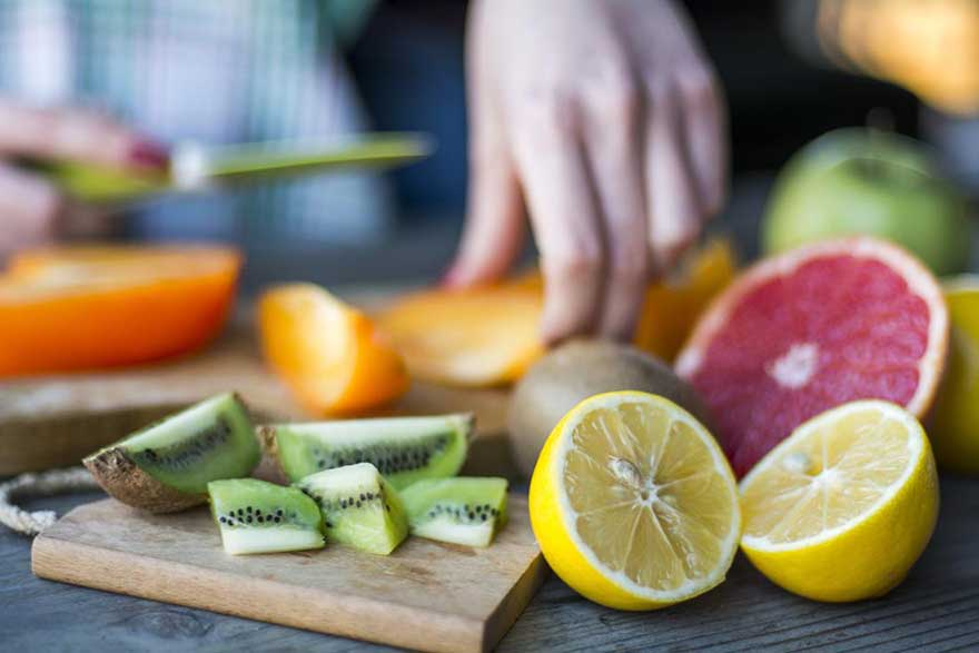 Nạp quá nhiều vitamin C có gây ra tác dụng phụ gì không?